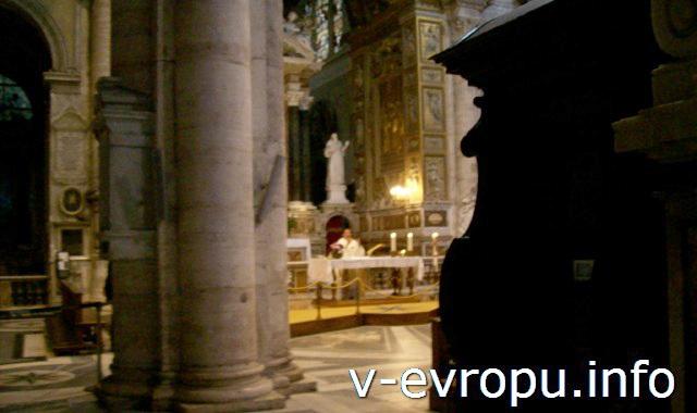 Месса в церкви Санта Мария дель Пополо