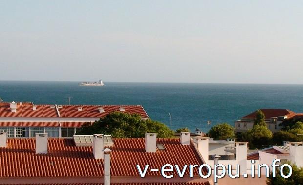 Вид из номера отеля в Каркавелуше