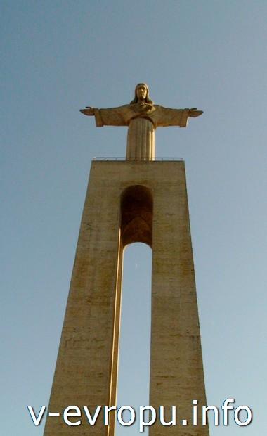 Статуя Христа в Лиссабоне