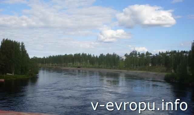 Река в центре Шеллефтео