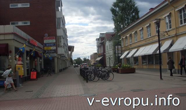 Магазины и велосипеды в Шеллефтео