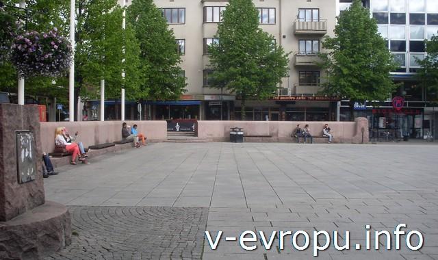 Центральная площадь Шеллефтео
