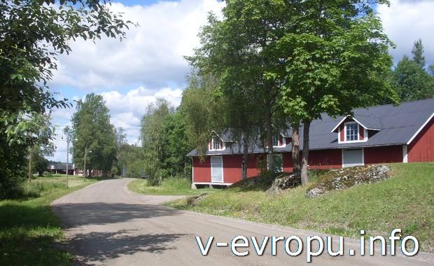 Фермерские постройки на шведских дорогах