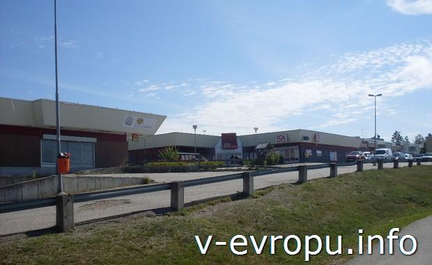 Деревенский гипермаркет в Швеции