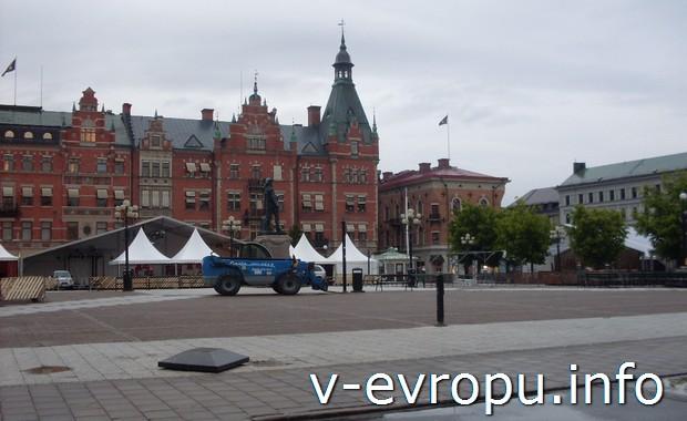 Городская площадь в Сундсвалле. Швеция.