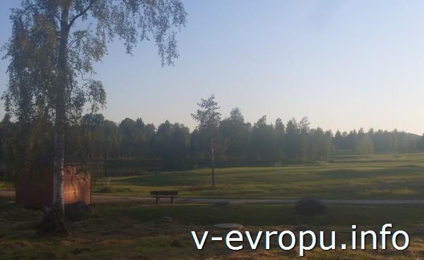 Поля для гольфа в Швеции вдоль Кустваген