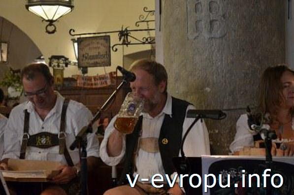 Музыканты Хофбройхауса на Октоберфесте-2013
