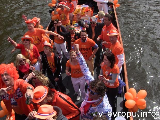 Голландцы очень любят своего оранжевого короля и оранжевый цвет