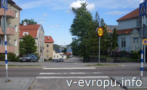 Перекрестки автомобильных дорог в шведском городке Худиксвалль