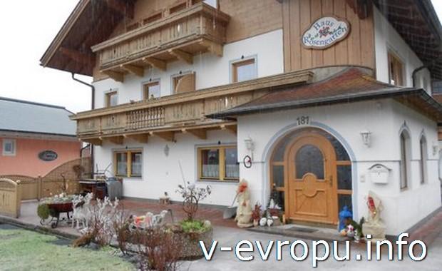Альпийская деревня в Рождество