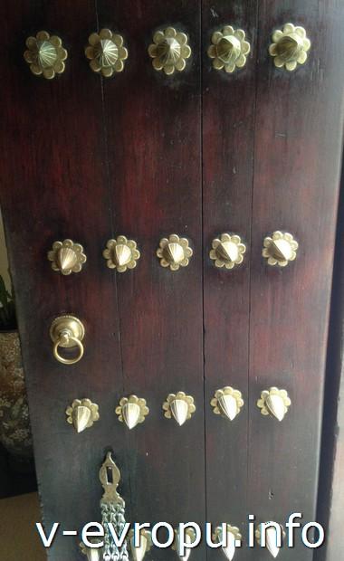 Двери стоун-Тауна