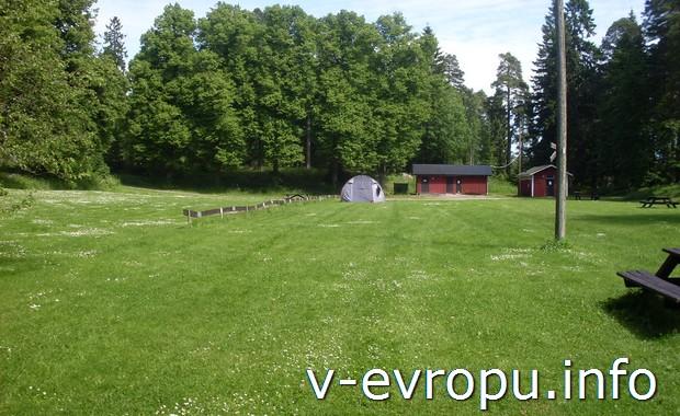 Место для палаток в кемпинге под Gävle в Швеции