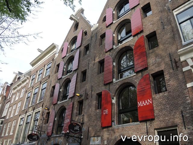 Прогулка по каналам Амстердама - ставни, которых почти уже не осталось