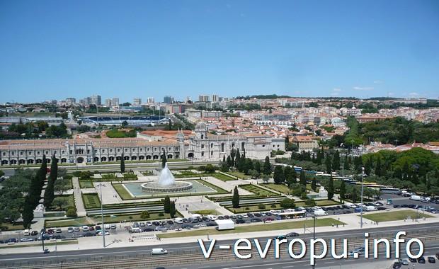 Вид на  монастырь Иеронимитов со смотровой площадки в Лиссабоне