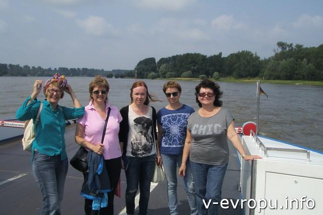 Переправа через Рейн - впереди ждет средневековый город Цонс