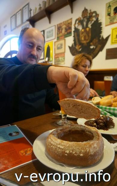 Автор отчета Владимир З. в пражском ресторане-пивоварне