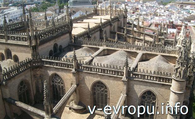 Крепость в Севилье