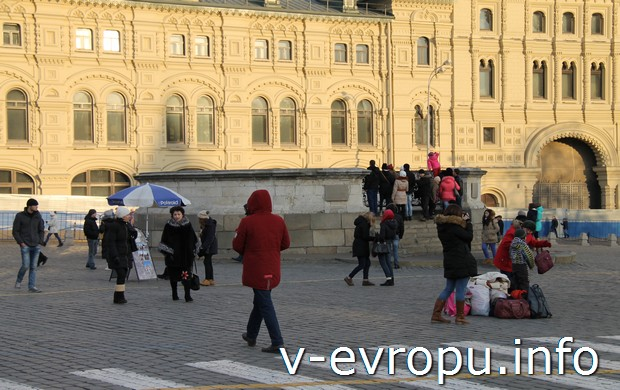 На Красной площади у ГУМа