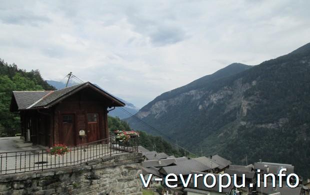 Типичное шале в горах Швейцарии