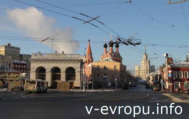 Фото Таганской площади: выход метро Таганская-кольцевая, Никольский Храм и Театр на Таганке