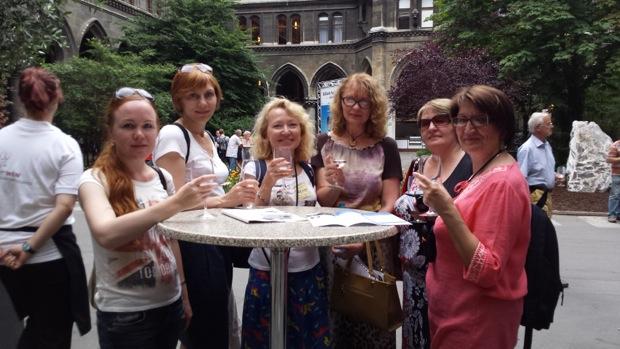 Дегустируем австрийское вино на празднике в Венской Ратуше