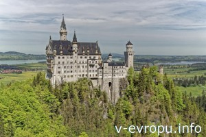 Швангау. Замок Нойшванштайн. Вид с Мариенбрюкке
