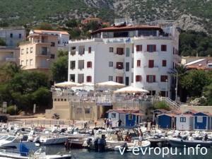 Сардиния. Вид с моря на порт